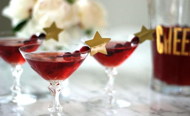 three festive cocktails to make this christmas season - Christmas Cocktail Party