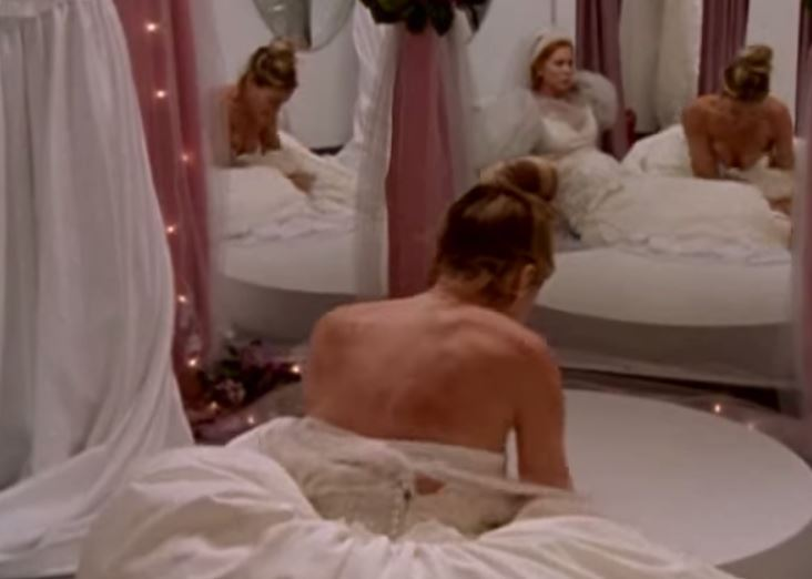 8 times SATC\'s Carrie Bradshaw was just a ridiculous human | SHEmazing!