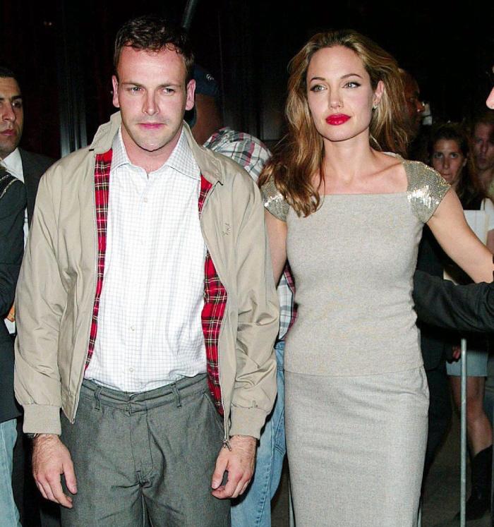 Angelina Jolie Jonny Lee Miller Wedding