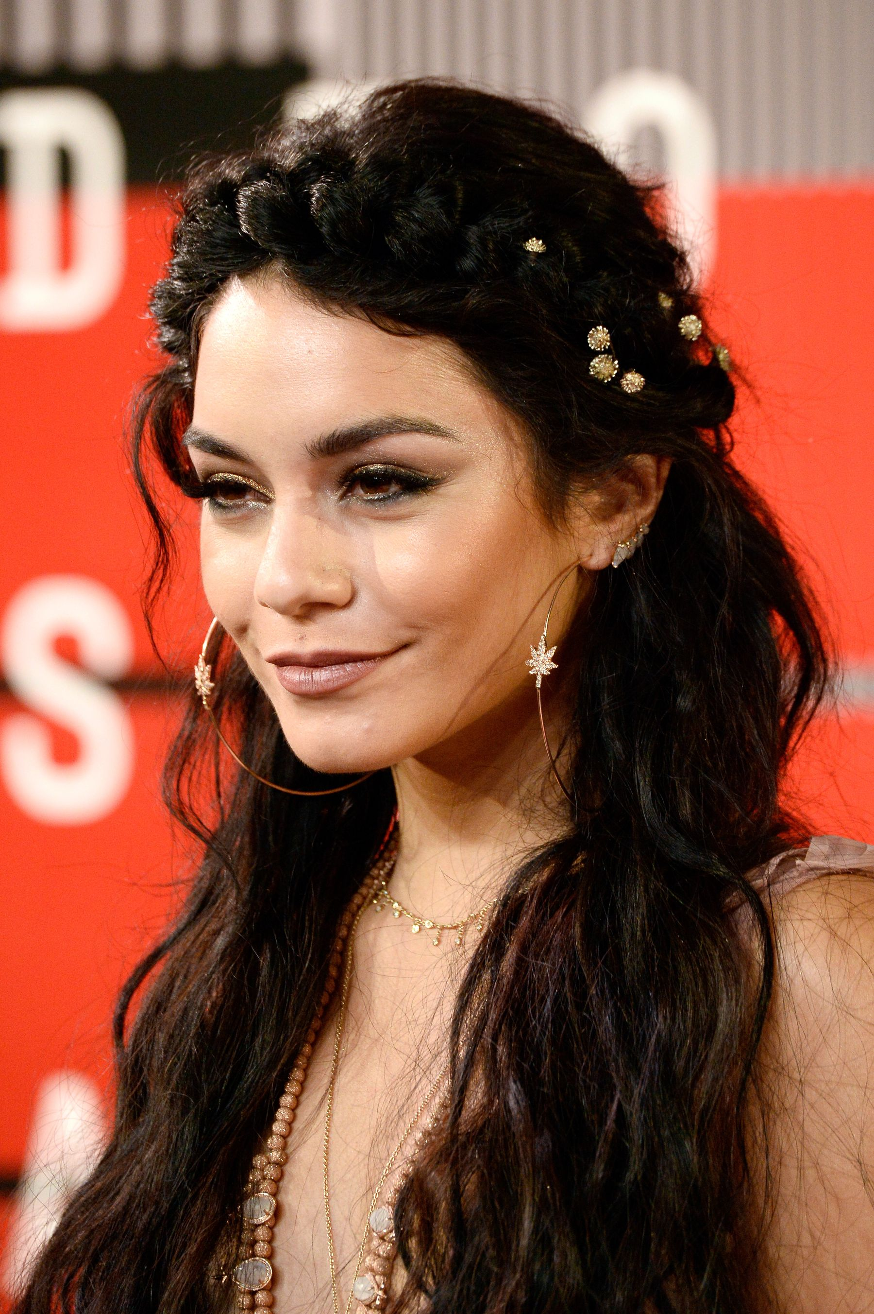 Vanessa Hudgens Little Sister Is Our New Style Crush Shemazing