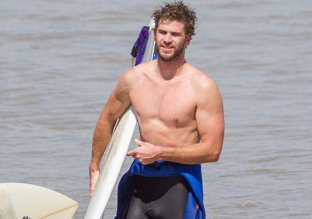 topless-australian-males