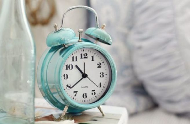 Are the clocks going forward or back an hour this weekend?