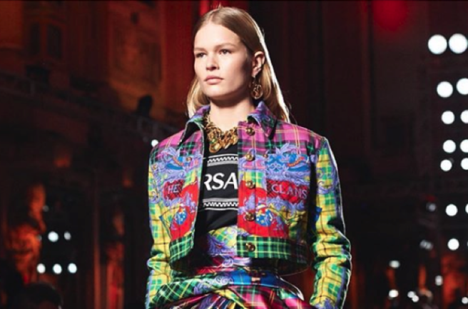 Versace label 'to stop using fur in products'
