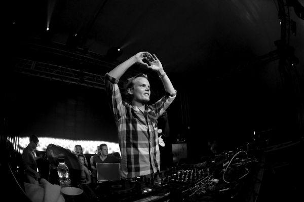 5 most memorable tracks from Swedish DJ's playlist — RIPAvicii