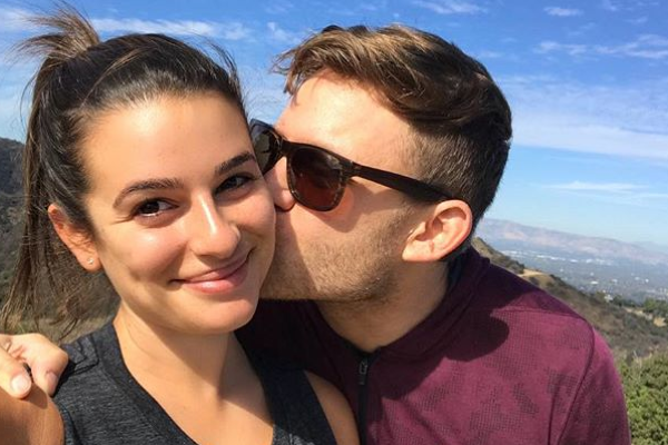 Glee's Lea Michele shows off engagement ring
