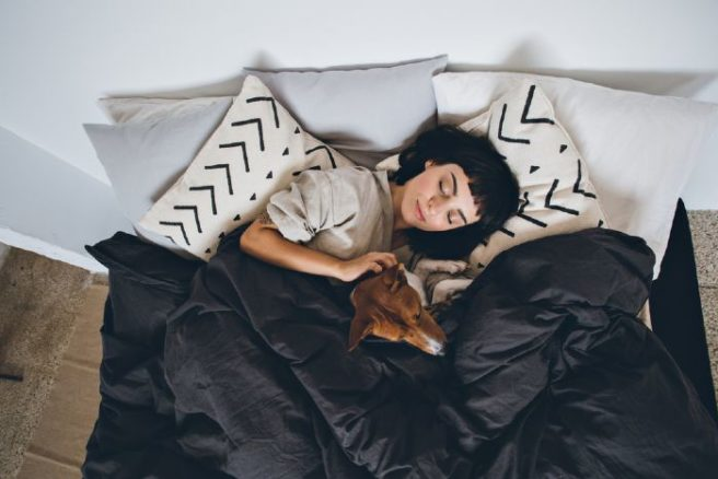 Weekend sleep-ins are good for you