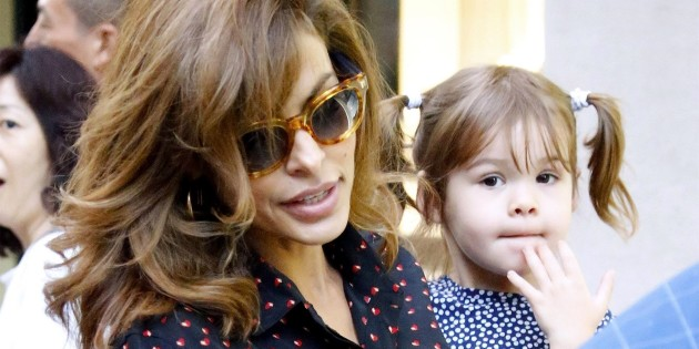 Eva Mendes opens up ab...