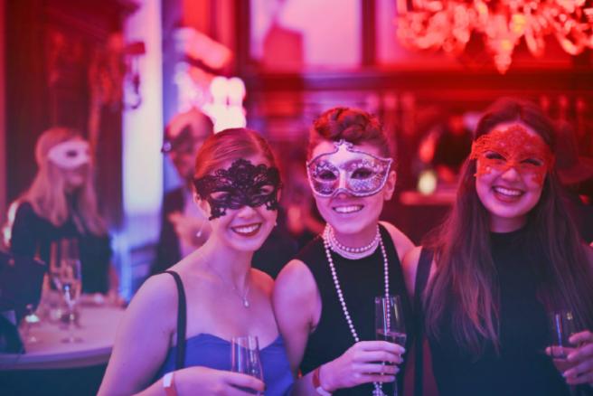 523dcfd2ea81 Four FABULOUS last minute ideas for partying in the festive season