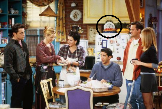 What iconic Friends prop did Matthew Perry gift to Lisa Kudrow?